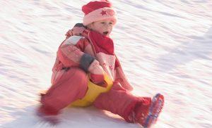 Rodeln und Bobfahren im Winter auf Monikas Ferienhof
