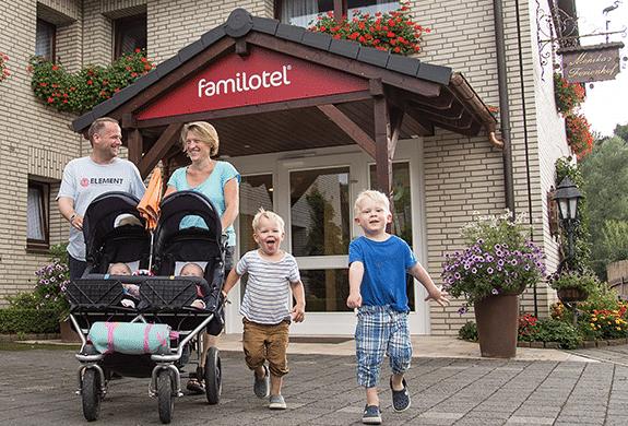 Familotel glückliche Familie